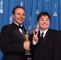 Scott Millan and Mike Myers at the 73rd Annual Academy Awards ceremony.