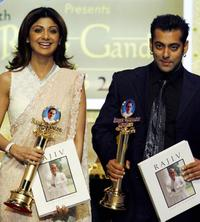 Shilpa Shetty and Salman Khan at the tenth Rajiv Gandhi Award's.
