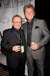 Paul Williams and Peter Cetera at the 41st Annual Songwriters Hall of Fame Ceremony.