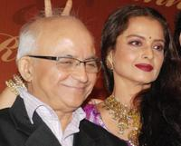 Ramesh Talwar and Rekha at the party honoring Shatrughan Sinha's election to the national parliament.