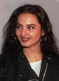 Rekha at the launch of an entertainment website (www.srkworld.com).