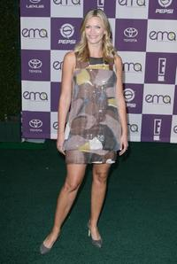 Natasha Henstridge at the 17th Annual Environmental Media Awards honoring Trudie Styler.