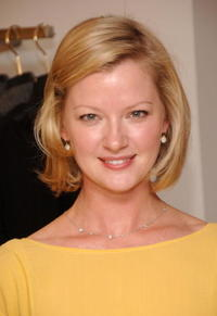 Gretchen Mol hosts a presentation of Sari Gueron's Spring 2007 Collection in New York City.