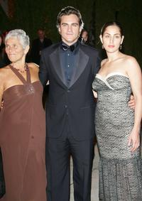 Heart Phoenix, Joaquin Phoenix and Summer Phoenix at the Vanity Fair Oscar Party.
