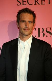 Michael Vartan at the 2007 Victorias Secret fashion show.