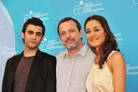 Melih Selcuk, director Semih Kaplanoglu and Basak Koklukaya at the photocall of