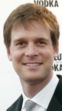 Peter Krause at the 11th Annual GLAAD Media Awards.