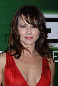 Linda Cardellini at the celebration for the 300th episode of