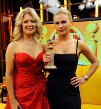 Mary Hart and Anna Paquin at the 66th Annual Golden Globe Awards.