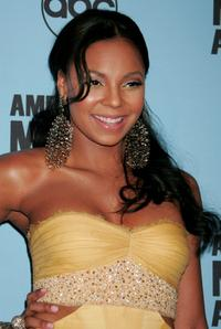Ashanti at the 2007 American Music Awards.