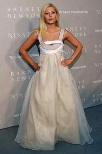 Elisha Cuthbert at the Nina Ricci Fall 2006 Collection fashion show to benefit The Rape Foundation.