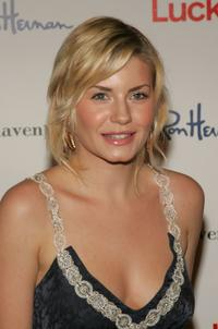 Elisha Cuthbert at the Miss Davenporte Trunkshow.