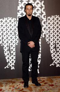 Fele Martinez at the GQ Awards 2004.
