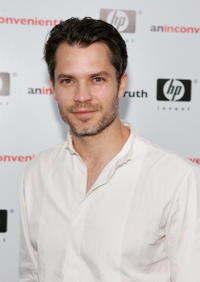 "Timothy Olyphant at the premiere ""An Inconvenient Truth"" in Los Angeles."