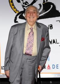 Fyvush Finkel at the premiere of