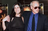 Linda Fiorentino and Paul Newman at the screening of