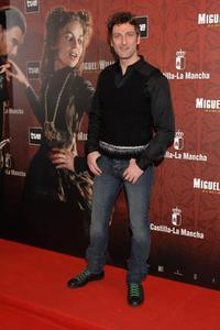Ernesto Alterio at the premiere of