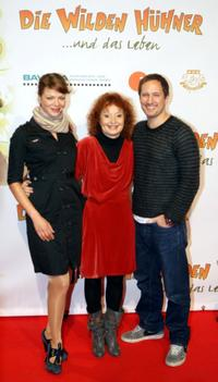 Jessica Schwarz, Vivian Naefe and Benno Furmann at the premiere of