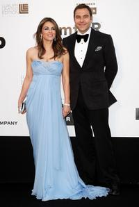 Elizabeth Hurley and David Walliams at the amfAR's Cinema Against AIDS 2009 benefit.
