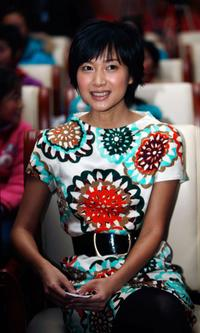 Xu Jinglei at the Charity Event for poor children.