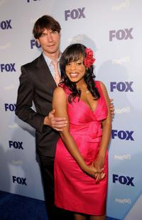 Jerry O'Connell and Niecy Nash at the 2008 FOX Upfront.