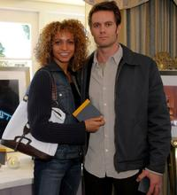Michelle Hurd and Garret Dillahunt at the Luxury Lounge in honor of the 2008 SAG Awards.