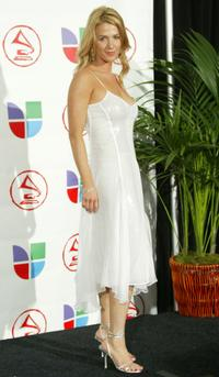 Poppy Montgomery at the 6th Annual Latin Grammy Awards.