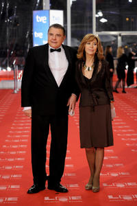 Juan Luis Galiardo and guest at the 2011 Goya Awards.