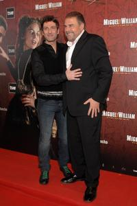 Ernesto Alterio and Juan Luis Galiardo at the premiere of