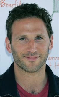 Mark Feuerstein at the John Varvatos 4th Annual Stuart House Benefit.