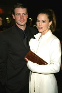 Scott Foley and Jennifer Garner at the premiere of