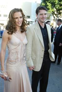 Jennifer Garner and Scott Foley at the premiere of