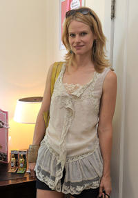 Joelle Carter at the Some Kind-a Gorgeous Style and Beauty Lounge in California.