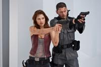 Ali Larter and Wentworth Miller in
