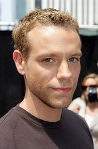 Adam Pascal at the