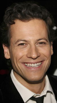 Ioan Gruffudd attends the LA film premiere of