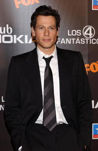 Ioan Gruffudd attends the Spanish premiere of