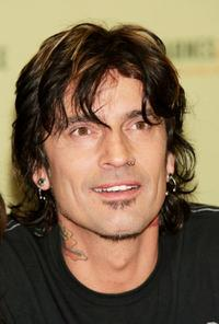 Tommy Lee at the in-store appearance to sign copies of his new book