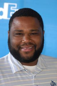 Anthony Anderson at the celebrity golf challenge to honor the nominees of 39th Annual NAACP Image Awards.