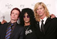 Scott Weiland, Slash and Duff McKagan at the 32nd Annual American Music Awards.