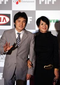 Park Joong-Hoon and Um Jung-Hwa at the opening ceremony of the Pusan International Film Festival.
