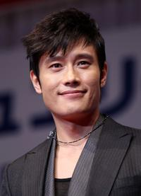 Lee Byung-hun at the 21st Japan International Jewellery Awards.