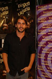 Eduardo Noriega at the premiere of