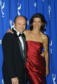 Enrico Colantoni and Wendie Malick at the 2001 Primetime Creative Arts Emmy Awards.