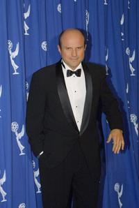 Enrico Colantoni at the 2001 Primetime Creative Arts Emmy Awards.