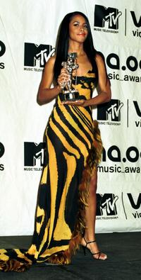 Aaliyah at the MTV Awards.