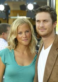 Erinn Bartlett and Oliver Hudson at the premiere of