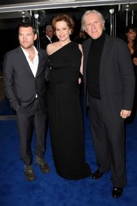 Sam Worthington, Sigourney Weaver and James Cameron at the world premiere of