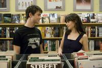 Joseph Gordon-Levitt and Zooey Deschanel in