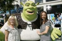 Amy Poehler, Shrek and Maya Rudolph at the premiere of